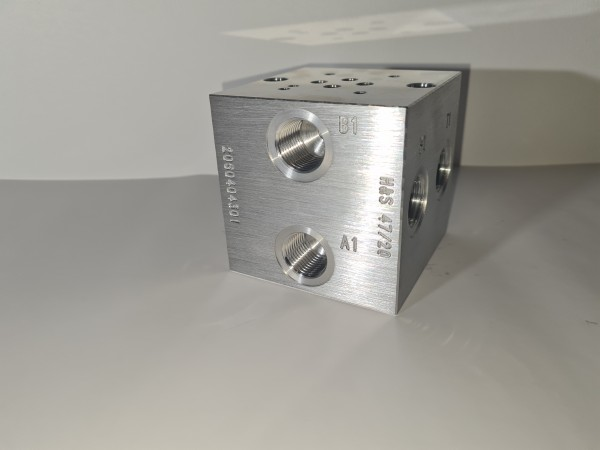 """Anschlussplatte NG6 1-fach P+T 1/2"""" A+B 1/2"""" Abgang B-Seite"""